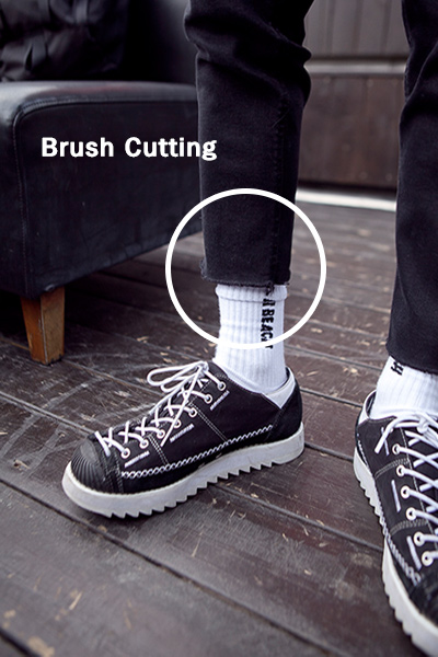 pants1017. black brush cutting jean