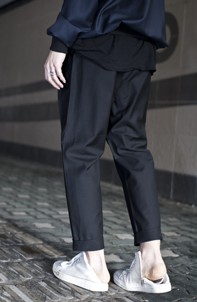 pants 017. black baggy slacks