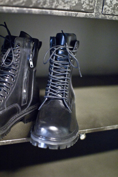 acc655. 13 hole combat boots [100% cow leather!!]